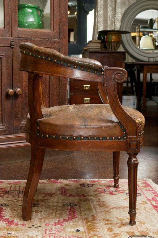 Tufted Leather and Mahogany Barrel-back Library Chair, English circa 1860 - Tufted Leather And Mahogany Barrel-back Library Chair - Garden