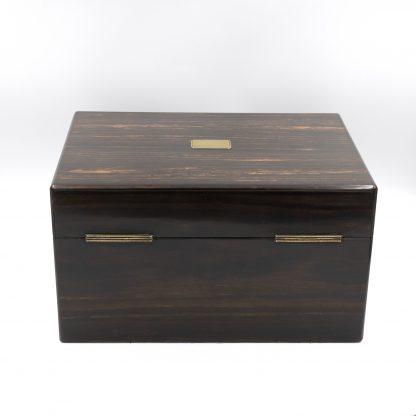 Back view: A Solid Coromandel Dressing Box Of Timeless Elegance, English 1830-1850.