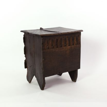 Early English Six Plank Oak Coffer, Finger Groove Carving Across The Front, English Circa 1700.